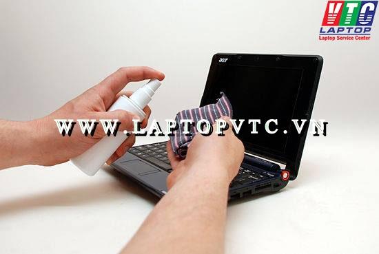 Cách vệ sinh laptop tại nhà bằng dụng cụ vệ sinh laptop